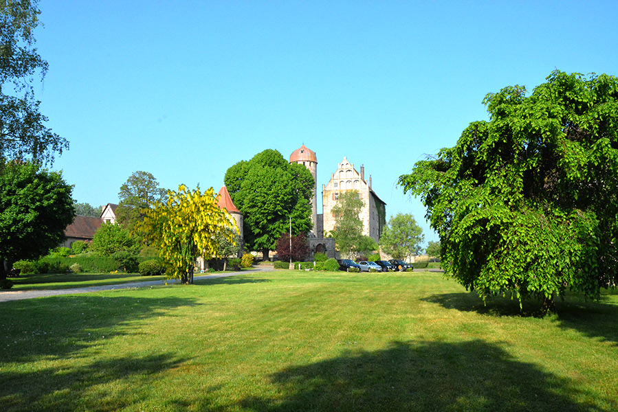 Blick auf's Schloss im Frühling