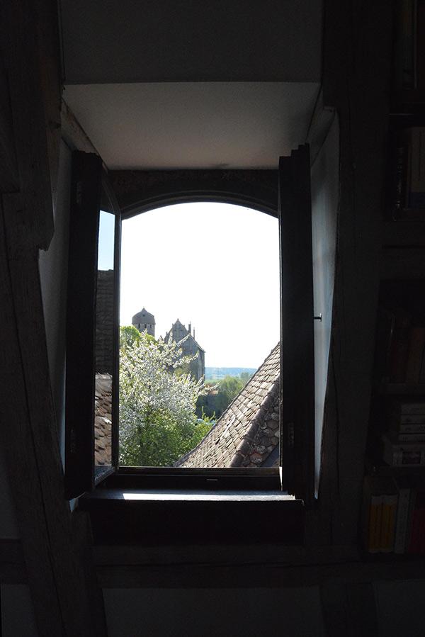 Im Turm - Blick aus dem westlichen Studiofenster auf's Schloss