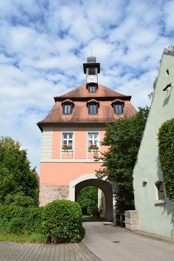 Torturm Sommersdorf - Ansicht von Osten, Eingang zum Schlosshof Sommersdorf